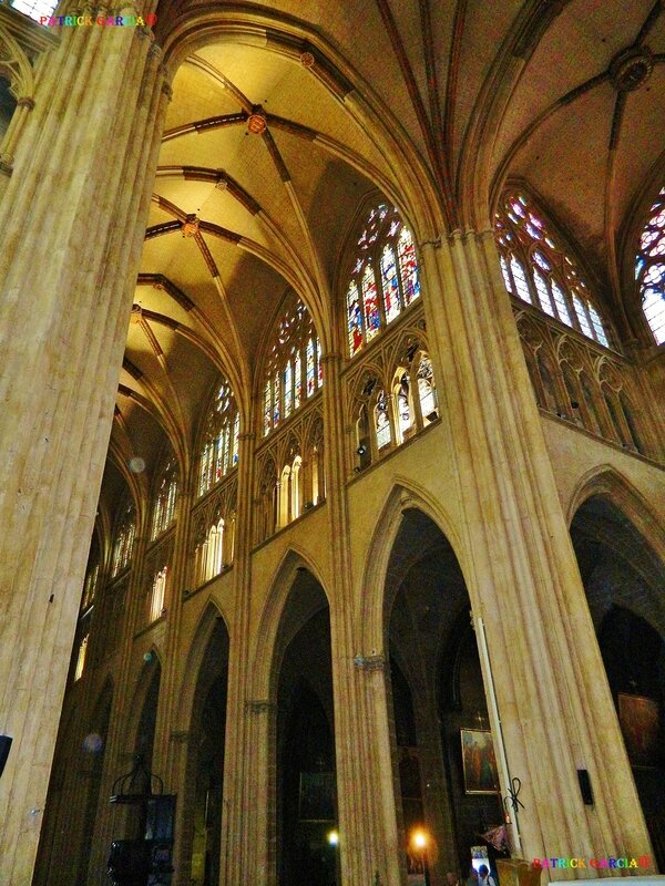 BAYONNE CATHEDRALE INT 990 198 copie
