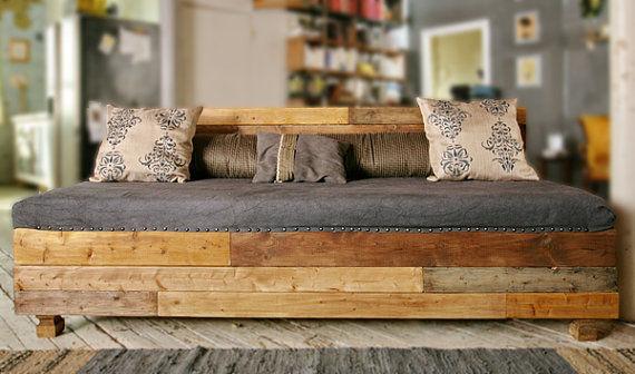 Le lit en patchwork de bois