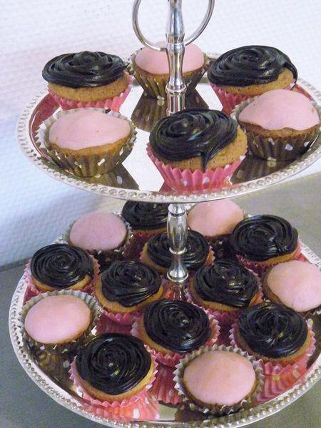 sweet_table_romantico_gourmande_cupcakes