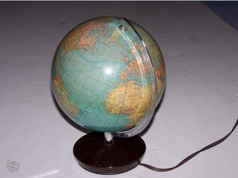 Globe terrestre années 70-80 8 Euros3