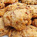 Cookies salés oignons, sésame et lard fumé
