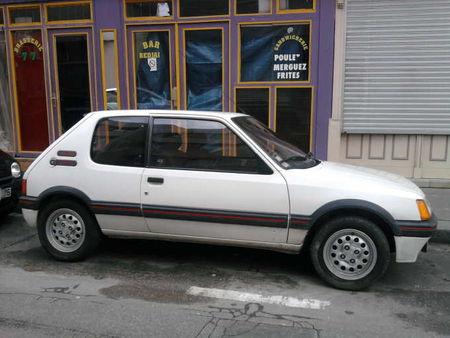 Peugeot205GTIprof2