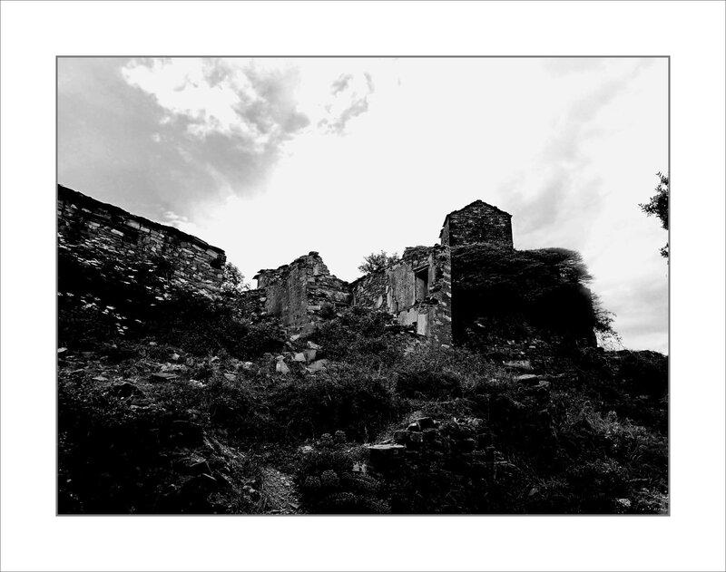Aragon Escalona sentier Muro de Bellos 020618 18 village abandonné nb