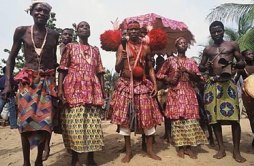 MARABOUT MEDIUM TCHAGOU WINRI DU MONDE DE L'AFRIQUE