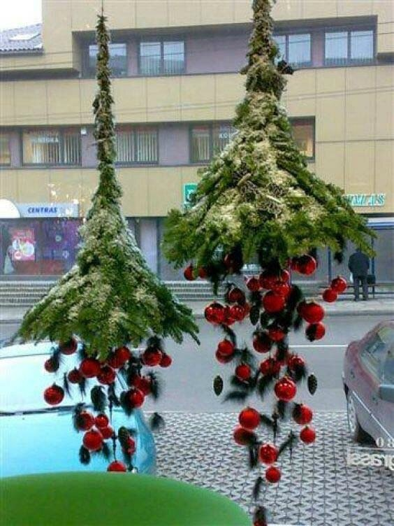 Hanging-Christmas-Decorations-Ideas-7
