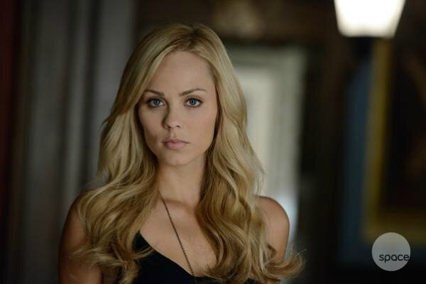 Laura Vandervoort as Elena Bitten