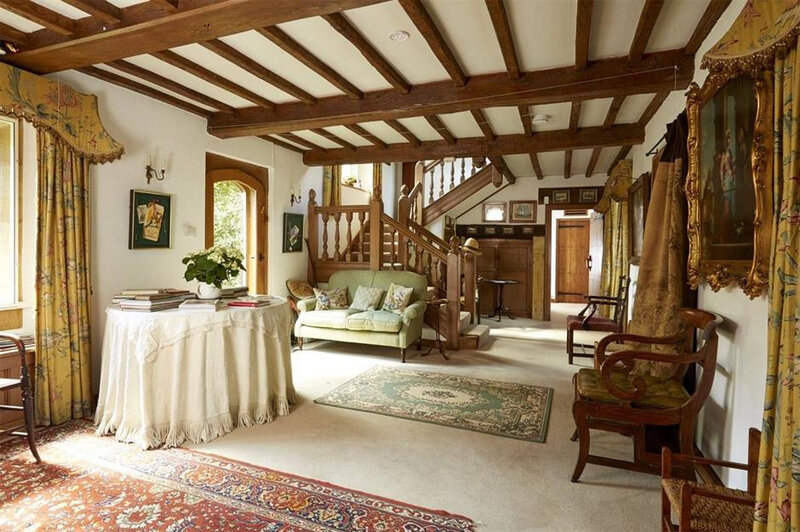 89f4c1c2-a80e-4cce-95be-ccdf8385aa3c-Cotswolds%20stone%20cottage3