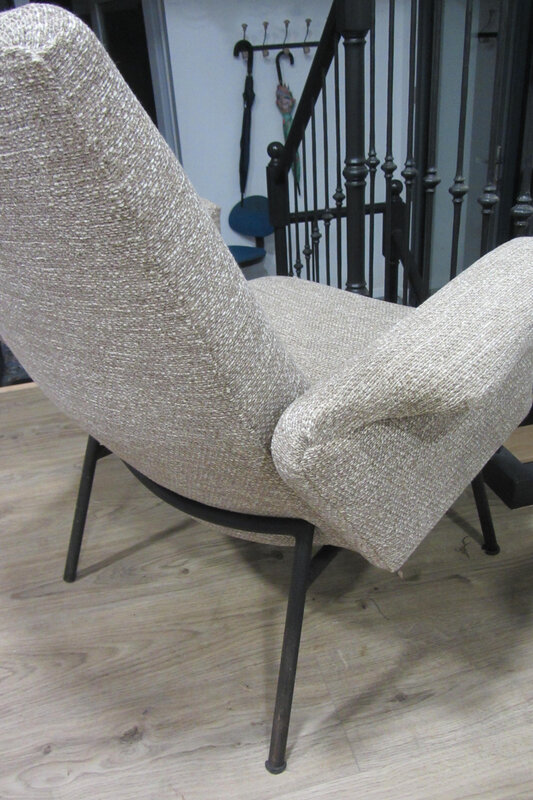 couture main sur fauteuil