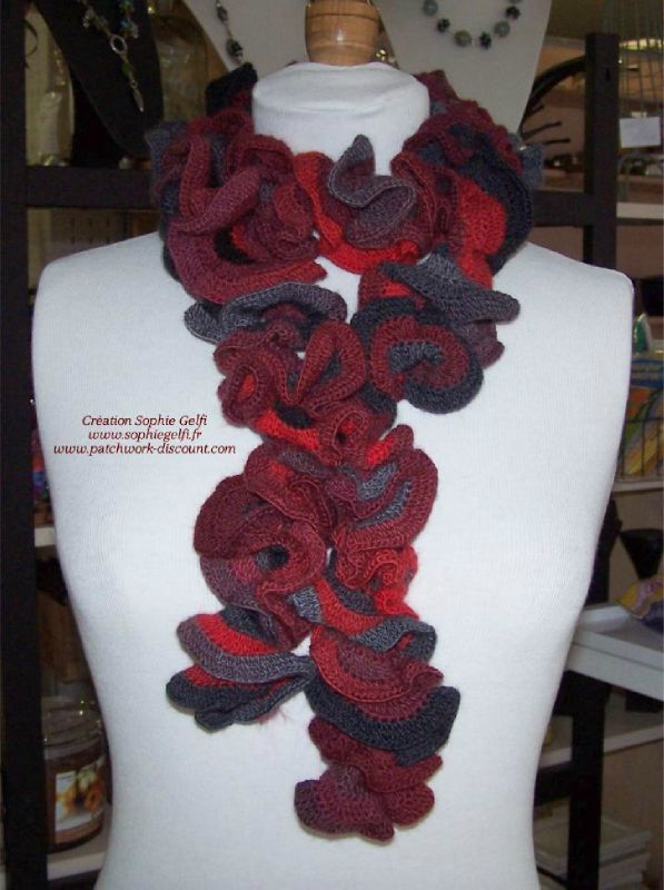 632b277a7cfc Modèle écharpe froufrou non modulaire - Easy Crochet