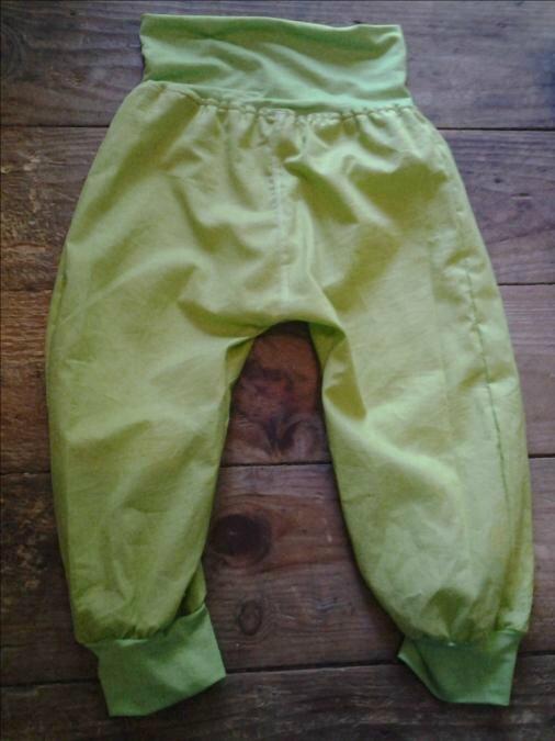 Tuto Pantalon Sarouel pour Enfant de 3 ans, couture anglaise et empiècement jersey