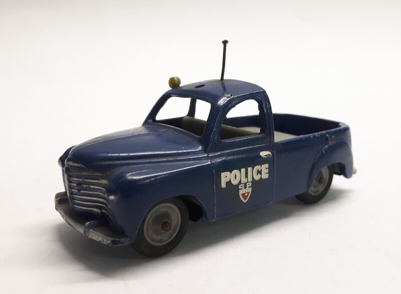 #365a-Renault Colorale Police (1)