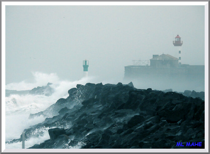 FORT ET PHARE TEMPETE ML MAHE