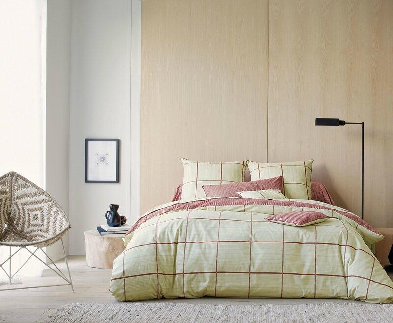 linge-de-lit-blanc-des-vosges-tao-carmin