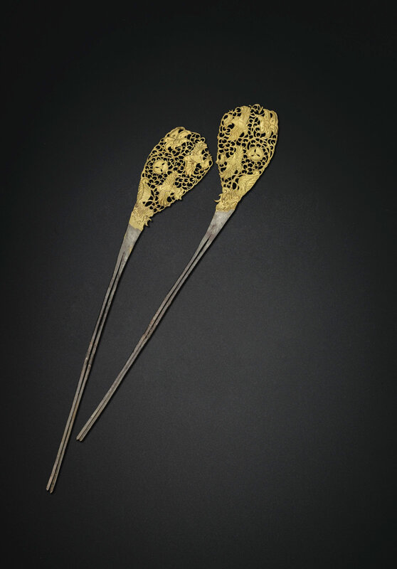 2019_NYR_18338_0548_000(a_rare_pair_of_parcel-gilt_silver_hairpins_tang_dynasty)