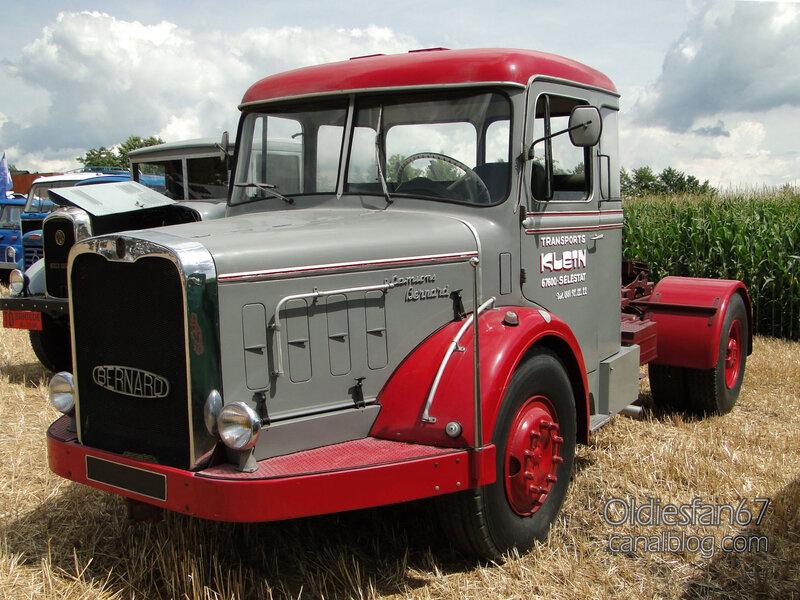 Bernard 150MB tracteur grand routier des années 50-01
