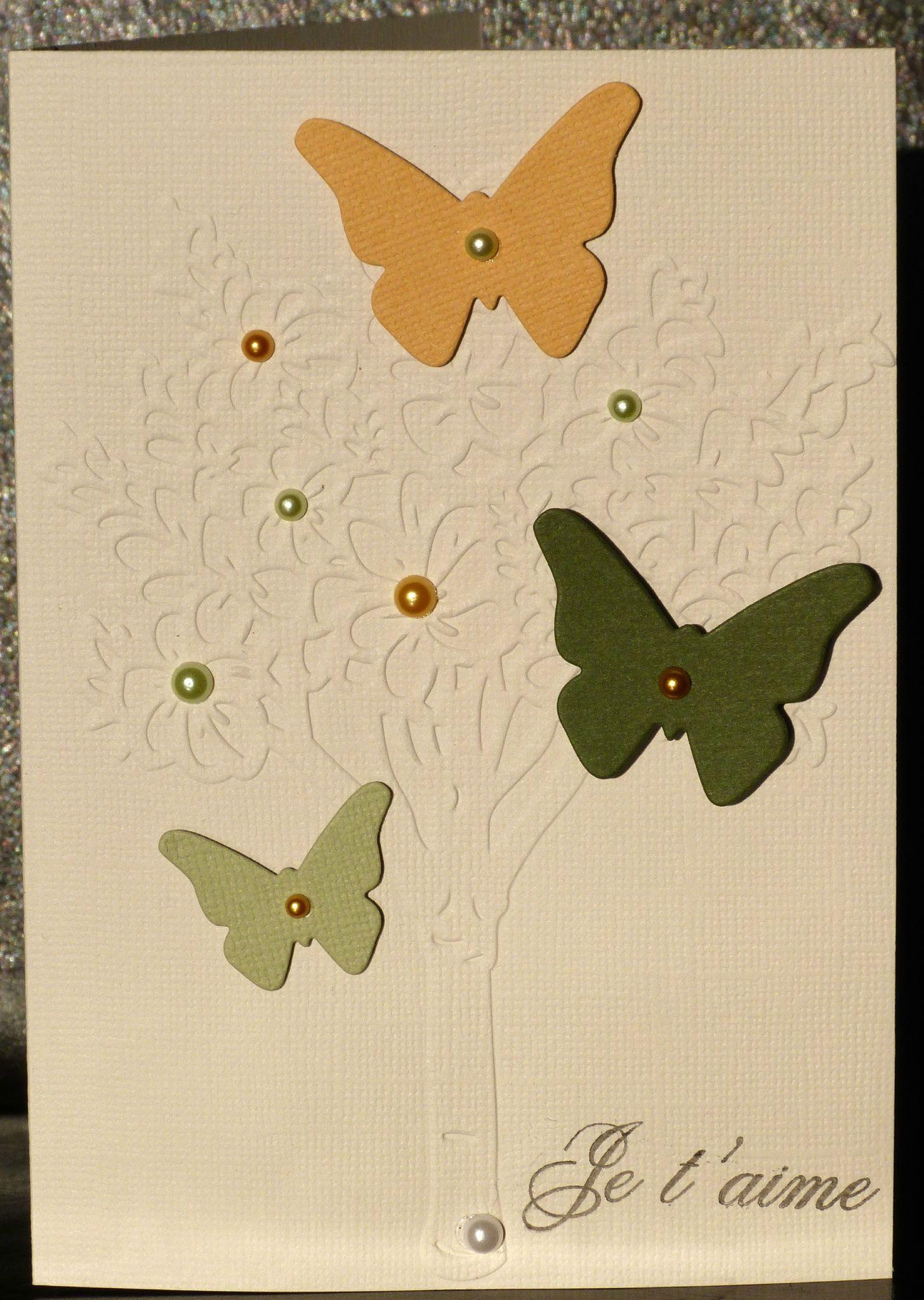 29. vanille, jaune et vert - arbre fleuri et papillon