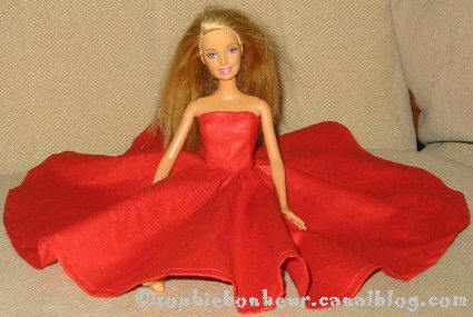 couture Barbie robe rouge