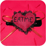 BARRETTE_EAT_ME_ROUGE1