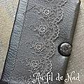 pochette pour portable grise