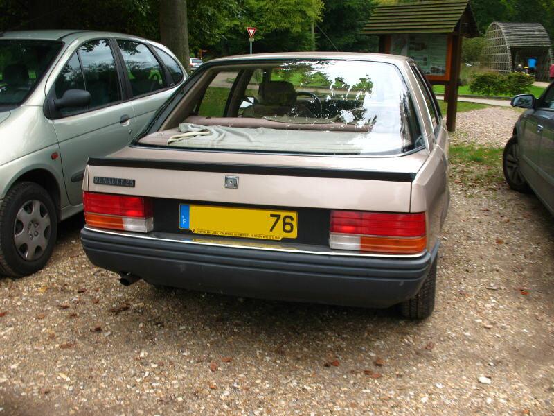 Renault25GTSar