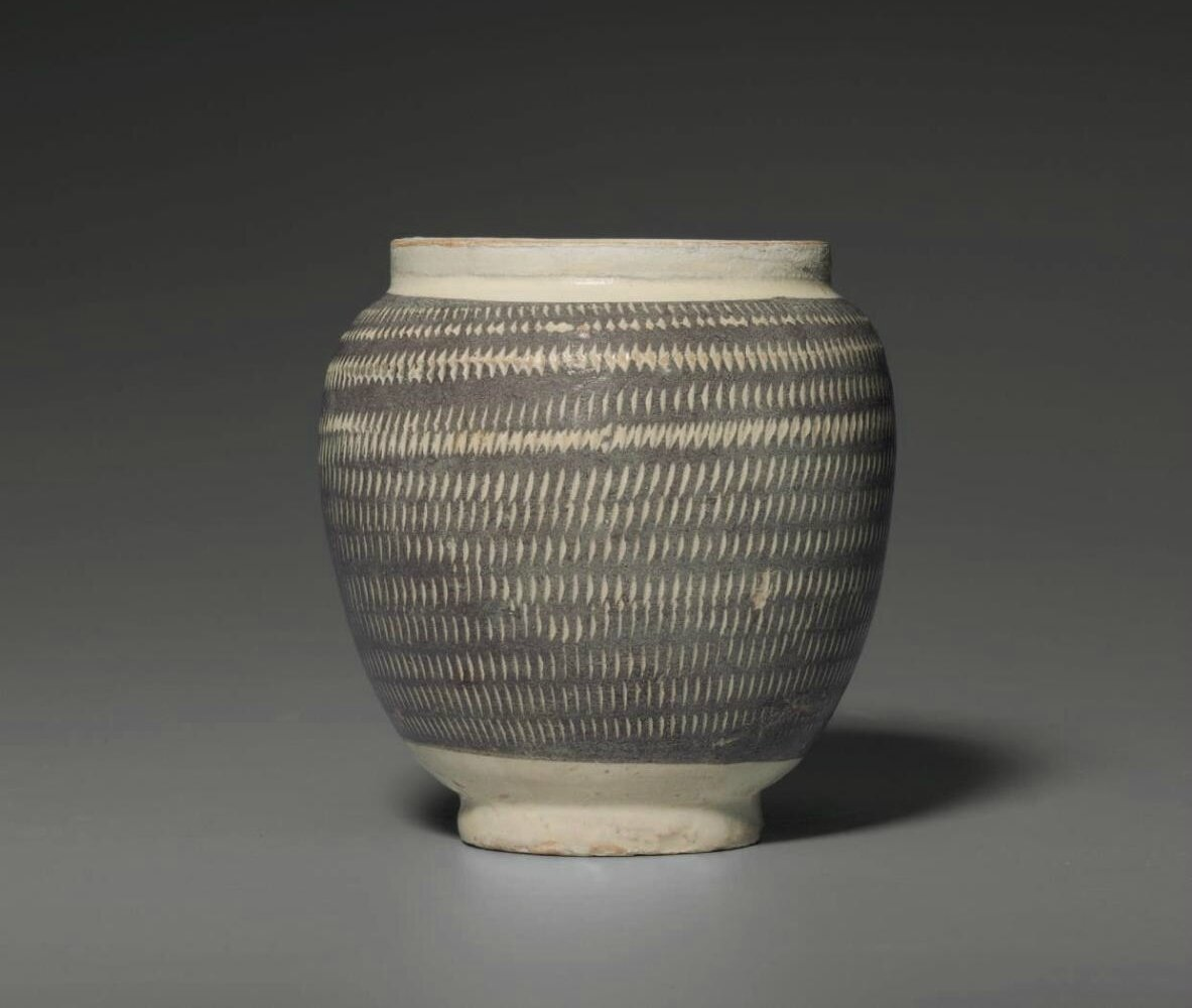 A Henan 'rouletted' ovoid jar, Northern Song dynasty, 12th century