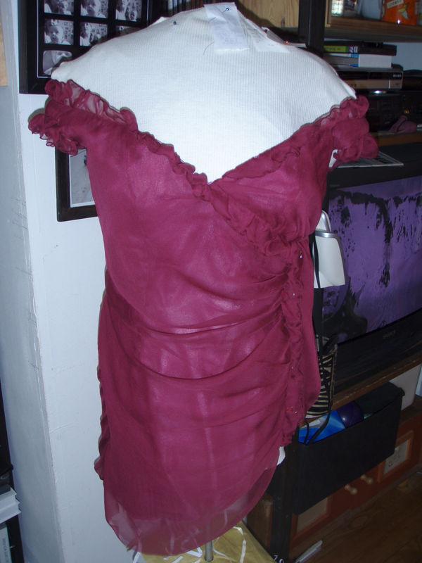 Gros plan de la partie supérieure de la robe