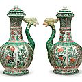 A pair of export famille verte phoenix head ewers and covers, Kangxi period (1662-1722)