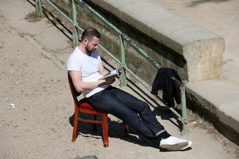 1-Lecteur, chaise, Canal de l'Ourcq_5539