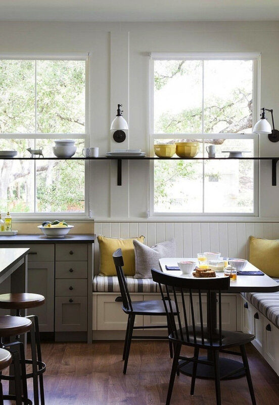 Farmhouse-kitchen-with-Banquette-Remodelista