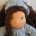 Léa, poupée d'inspiration waldorf de 43 cm, nouvelle venue dans le monde des lovelly dolls