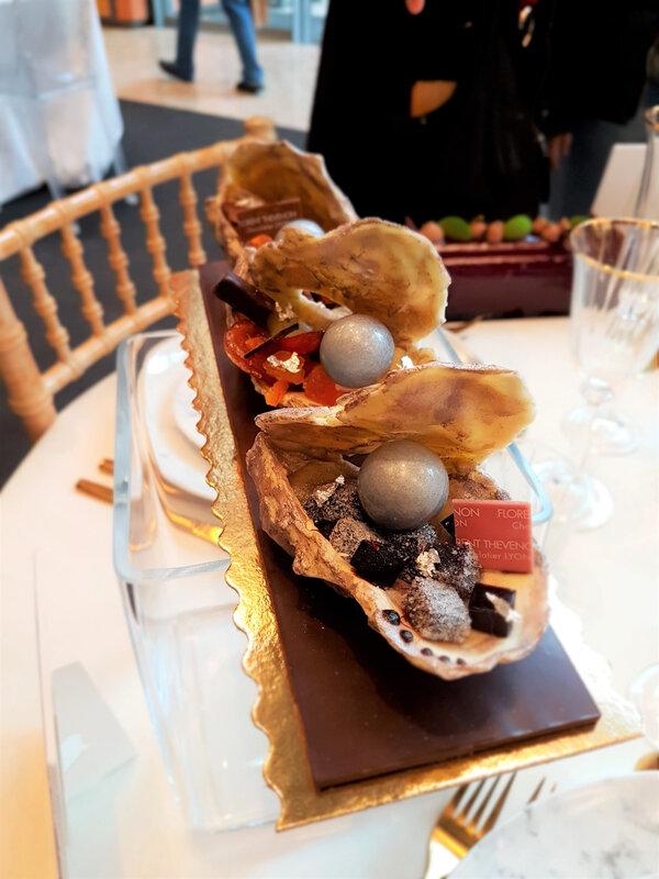 chez cathytutu salon du chocolat 2019 lyon buches 2019 thevenon huitre chocolatee