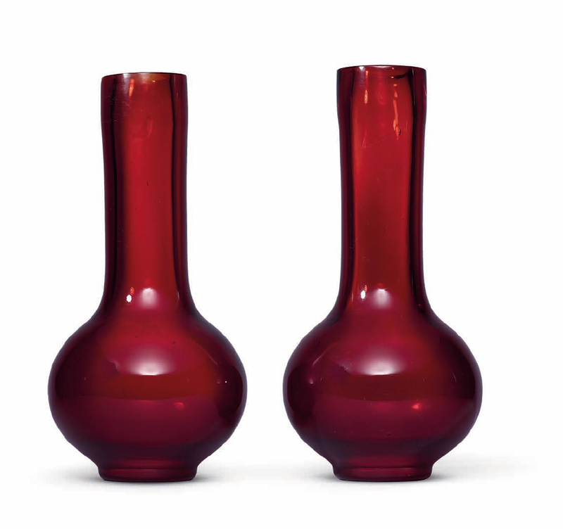 A pair of red glass bottle vases, Qing dynasty, 19th century