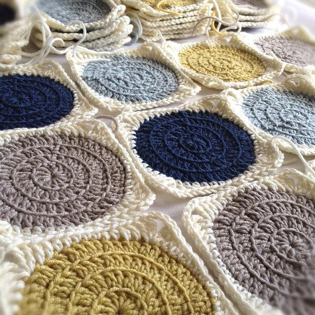 crochet-circle-blanket