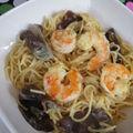 Nouilles chinoises aux crevettes et lait de coco