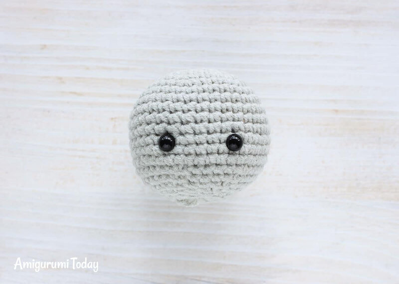 Cuddle-Me-Elephant-Crochet-Pattern-head