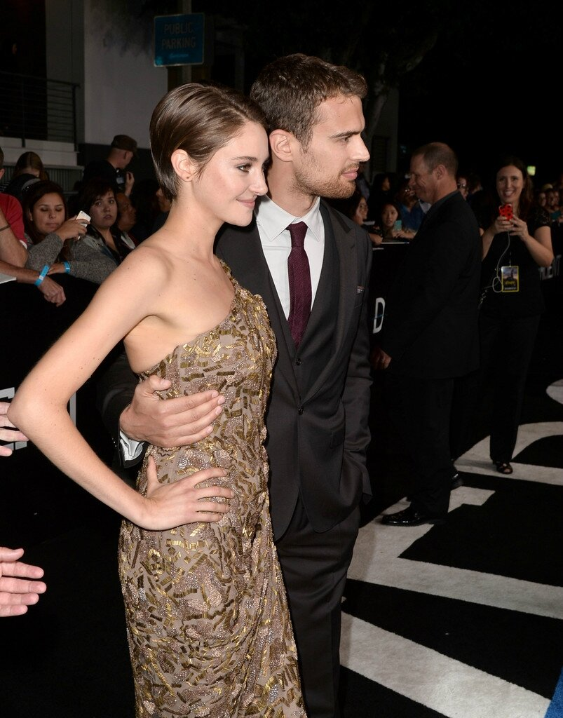 Shailene and Theo Divergent Premiere 02