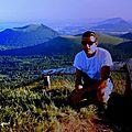 Montée pédestre sur le roi des monts auvergnats : le puy de dôme (massif central)
