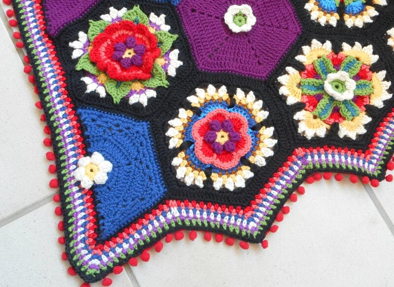 Frida's Flowers Border (1)
