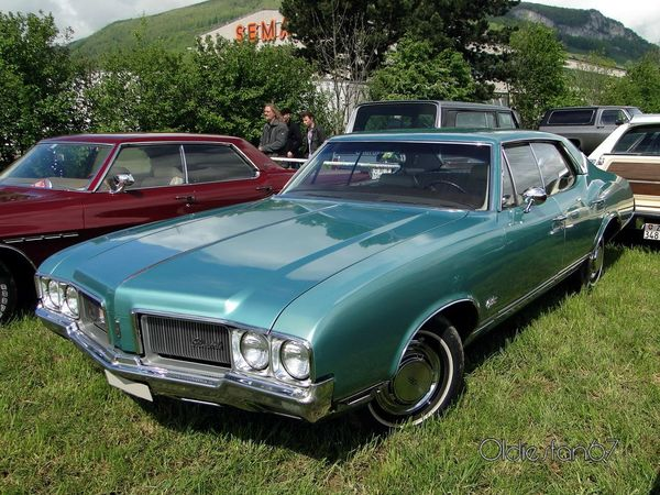 oldsmobile cutlass supreme holiday hardtop sedan 1970 a
