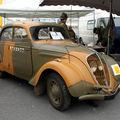 La peugeot 202 berline (23ème salon champenois du véhicule de collection)