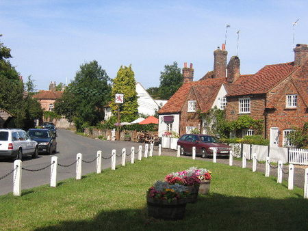 The_Green_and_Red_Lion__Little_Missenden___geograph