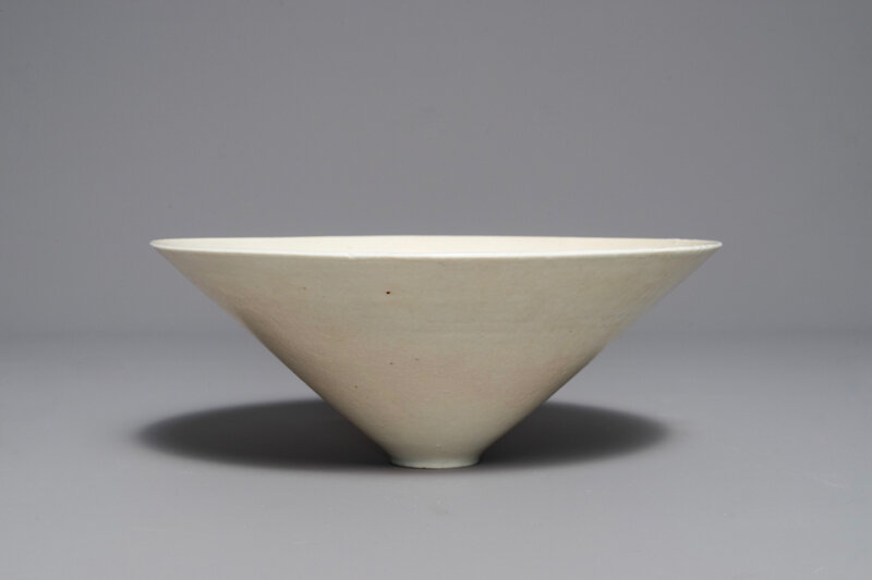a-fine-chinese-qingbai-conical-bowl-with-incised-floral-design-song-1