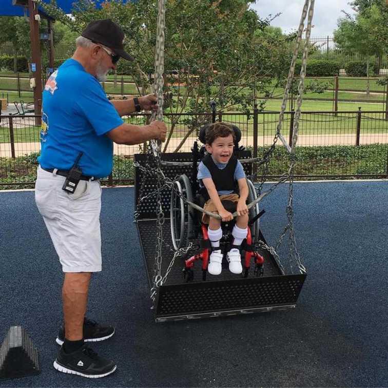 parc-aquatique-adapte-aux-enfants-handicapes-21