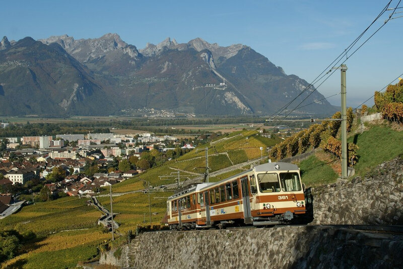 a-l-local-train-to-leysin-9236