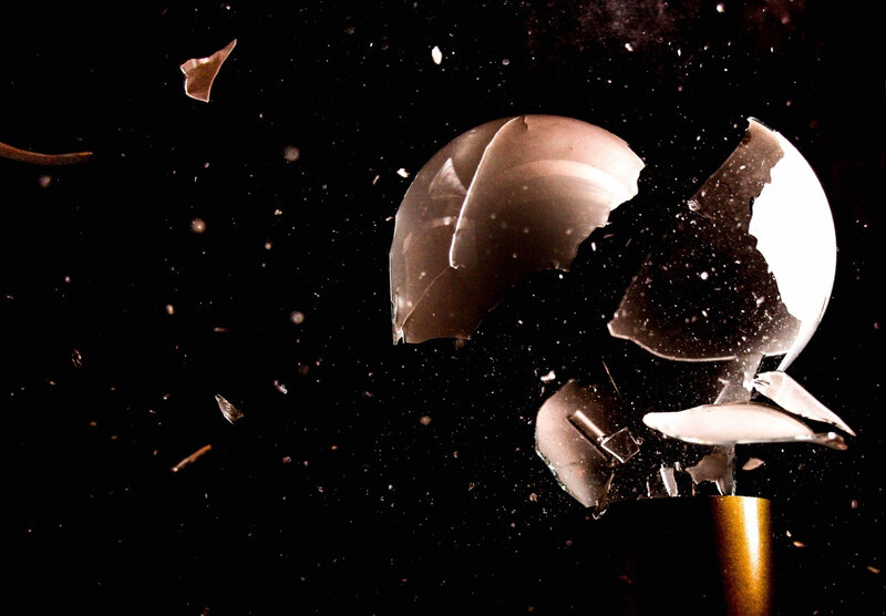 space-broken-darkness-lamp-light-bulb-lighting