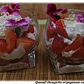 Verrines de fraises, chantilly et perles de yuzu