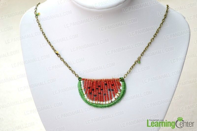 Seed-Bead-Necklace-Tutorial-–-How-to-Make-a-Seed-Bead-Necklace