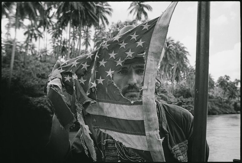 apocalypse-now-flag-dennis-hopper