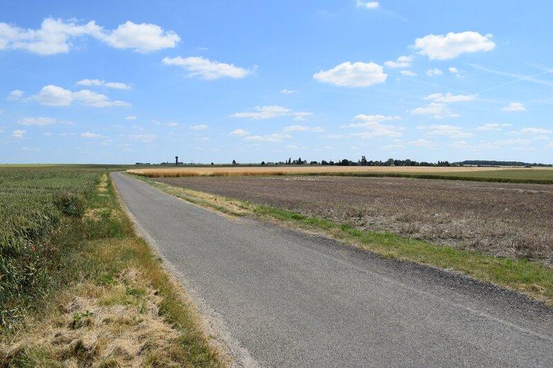 En direction de Villette les Bois depuis La Touche 1