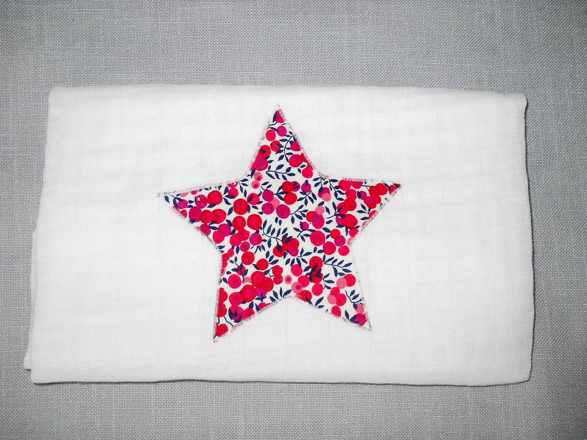 Lange motif étoile Liberty Wiltshire rouge